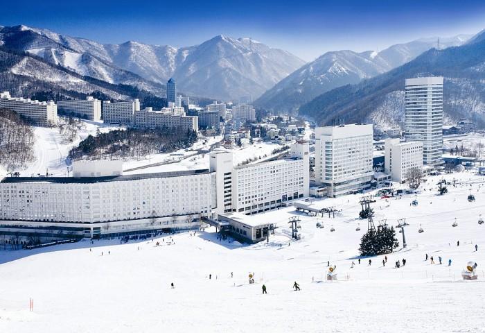 東 京|苗場滑雪場