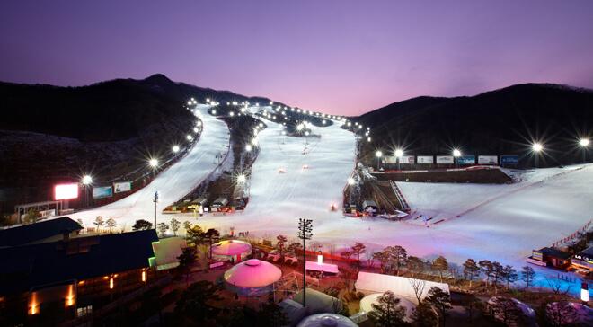 昆池岩度假村滑雪場