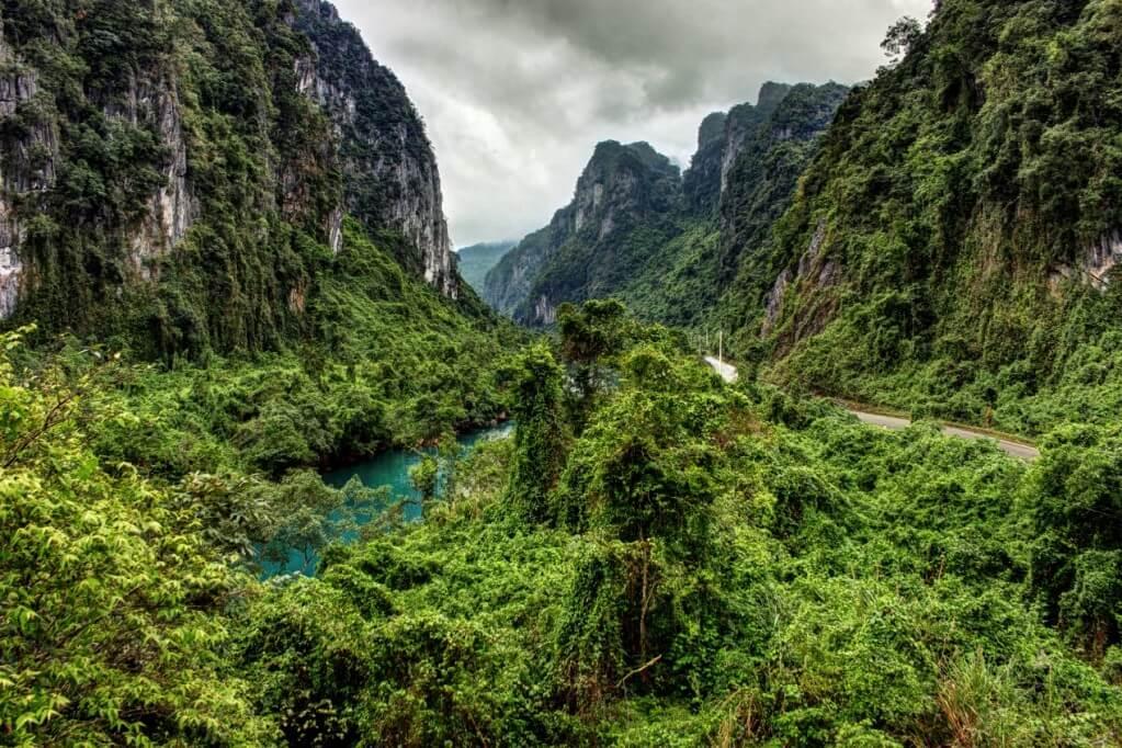 峰牙─己榜國家公園