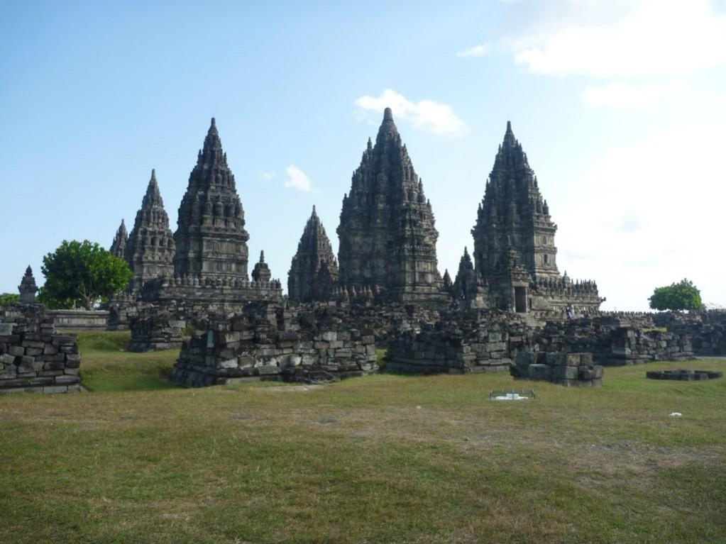 普蘭巴南寺院群