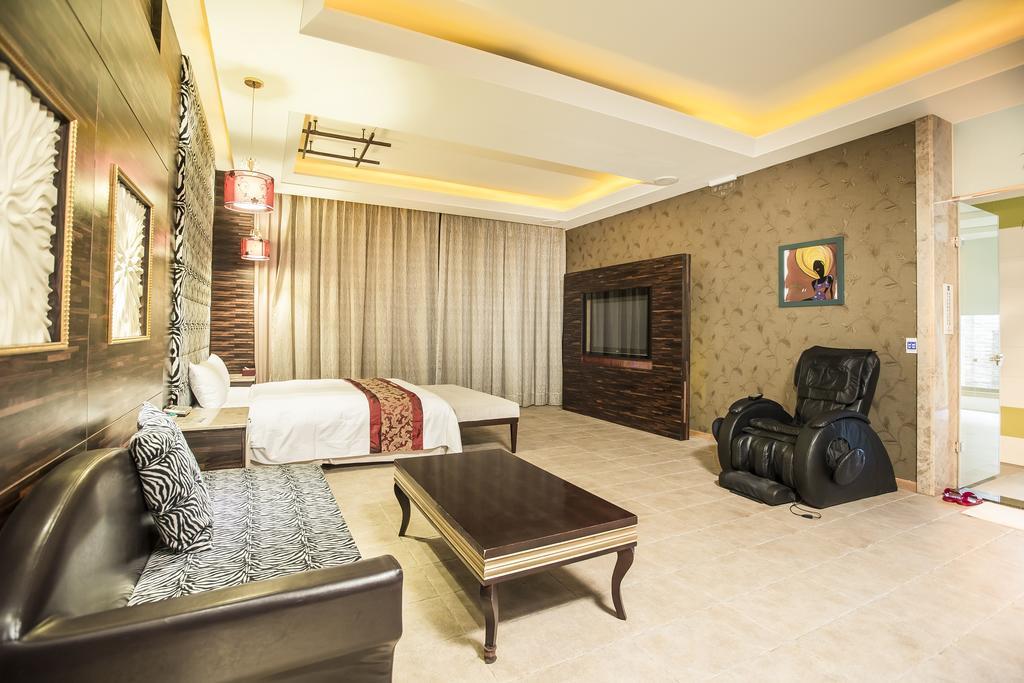 觀月商務休閒旅館