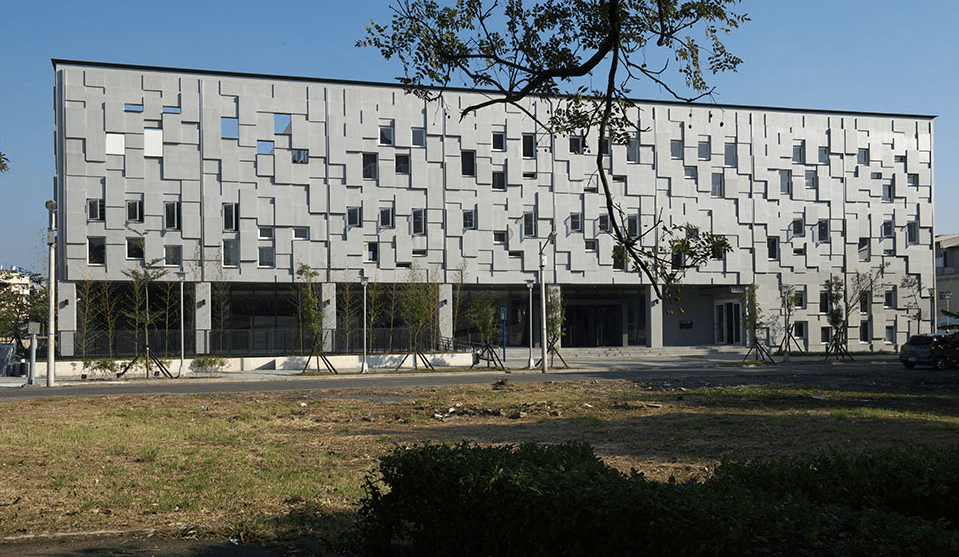 鹽埕圖書館