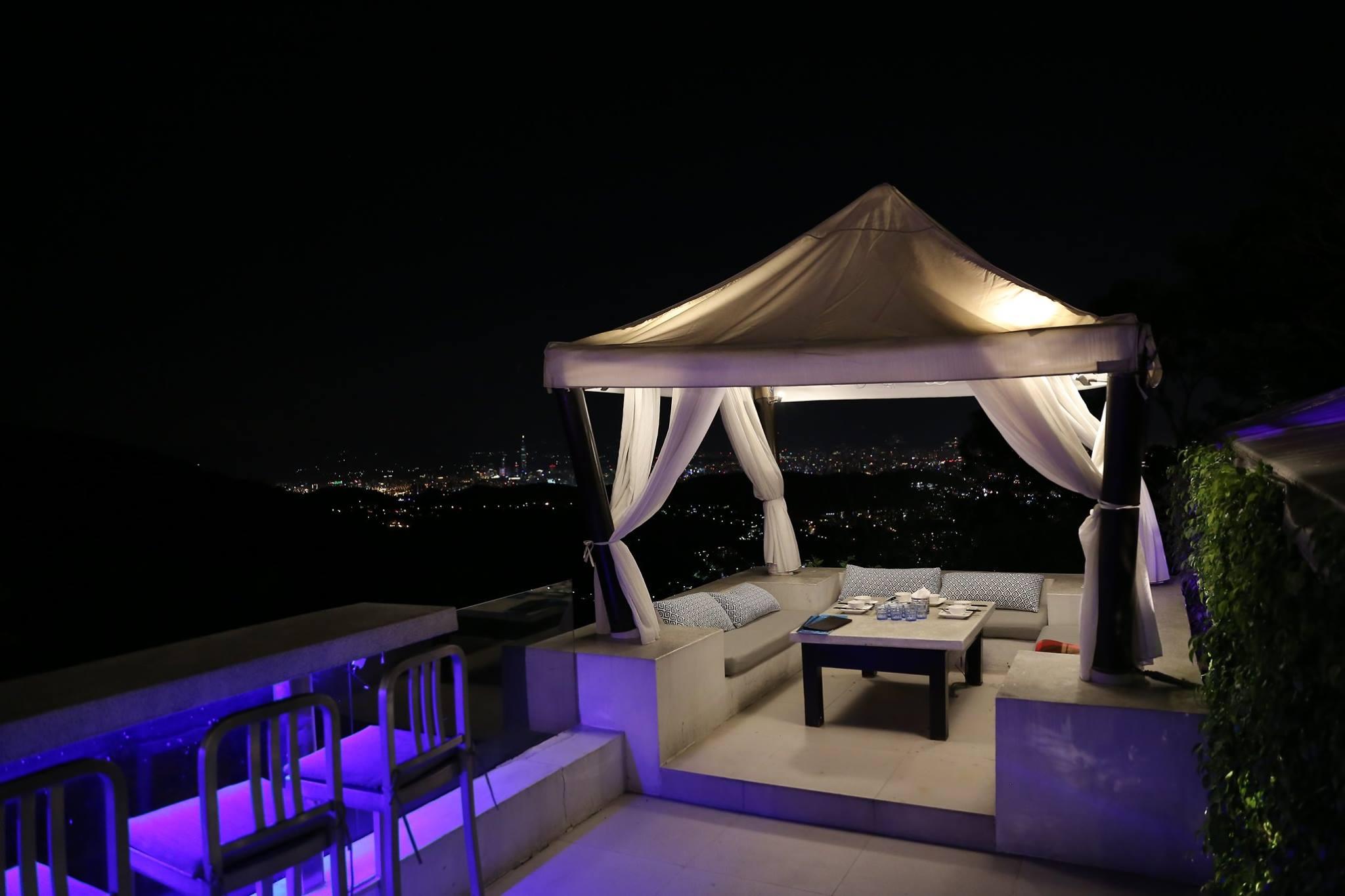 The top 屋頂上