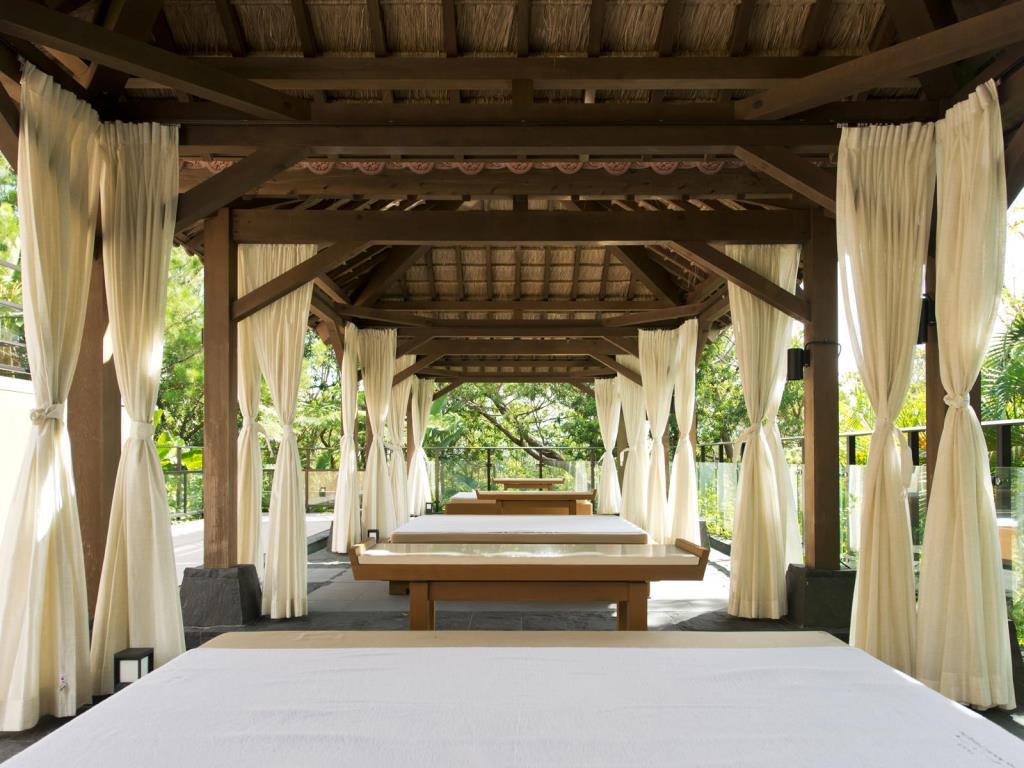 沖繩麗思卡爾頓飯店 (The Ritz-Carlton, Okinawa)
