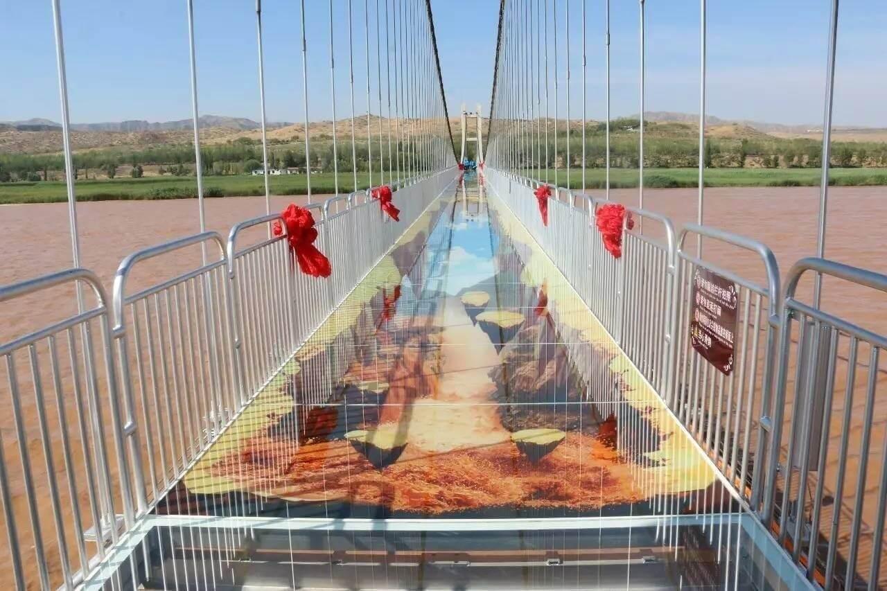 寧夏中衛市沙坡頭旅遊景區 黃河3D玻璃橋