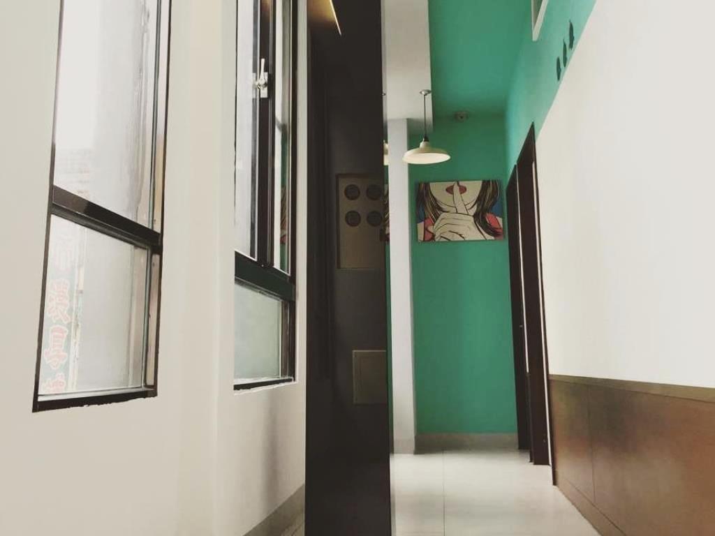 高雄八扇門住宿