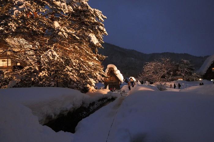 合掌村雪燈節