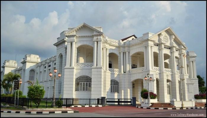 舊市政廳、高等法院