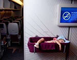 預訂嬰兒搖籃、提早到機場