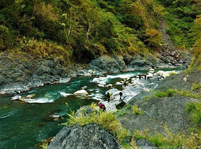 探索山林秘境野溪溫泉!6條走過絕對難忘的野溪溫泉路線