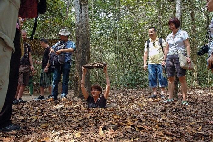 TOP12越南自由行景點|下龍灣 胡志明&必訪『天堂洞、美山聖地』
